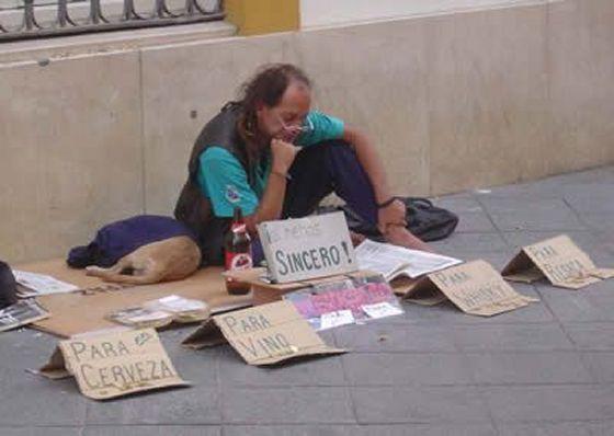 los_mejores_letreros_de_indigentes_8KX_wide