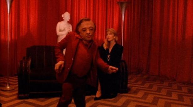 Quina opinió podria tenir d'un nan ballarí vestit de vermell?