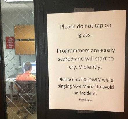 como-entrar-sala-llena-programadores