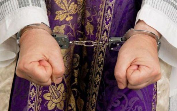 Abans els bisbes podien acabar a la presó, eren altres temps més justs.
