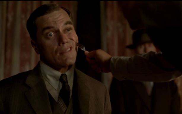 El que més m'agrada de la sèrie es veure com tothom tortura el desgraciat d'en Van Alden