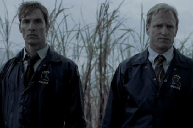 Posar cara seria, això fan es l'únic que fan els dos detectius de True Detective