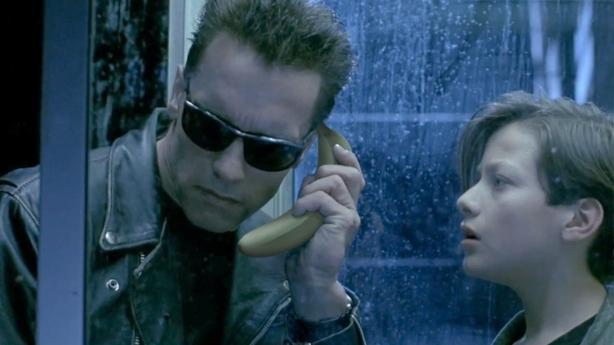 Una altra avantatge dels plàtans es que serveixen com a telèfon